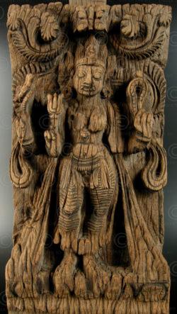 Déesse Kali en bois 08DD13J. État du Tamil Nadu, Inde du sud.