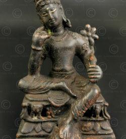Bodhisattva Shahiya bronze PK253. Ancien royaume bouddhiste de Gandhara, trouvé dans le district de Swabi, nord du Pakistan.