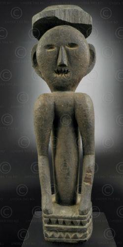 Borneo ricefield statue BO235. Iban Dayak tribe, Sarawak or West Kalimantan, Borneo island.
