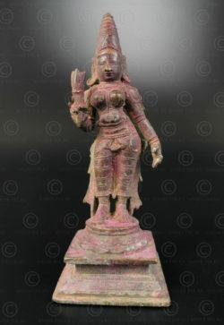 Bronze Lakshmi au lotus 16N36. État du Tamil Nadu, Inde du sud.