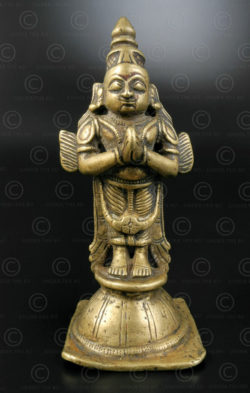 Statuette Garuda debout 16N13. État du Maharashtra, Inde du sud.