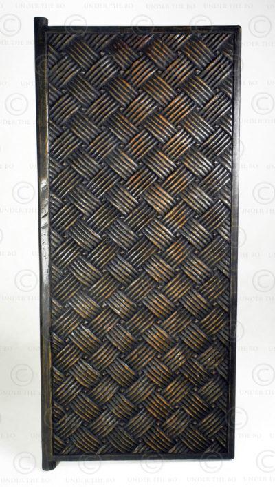 Vantail de porte style Nuristan FV158. Style montagnard du Nuristan, Afghanistan. Manufacturé à l'atelier Under the Bo.