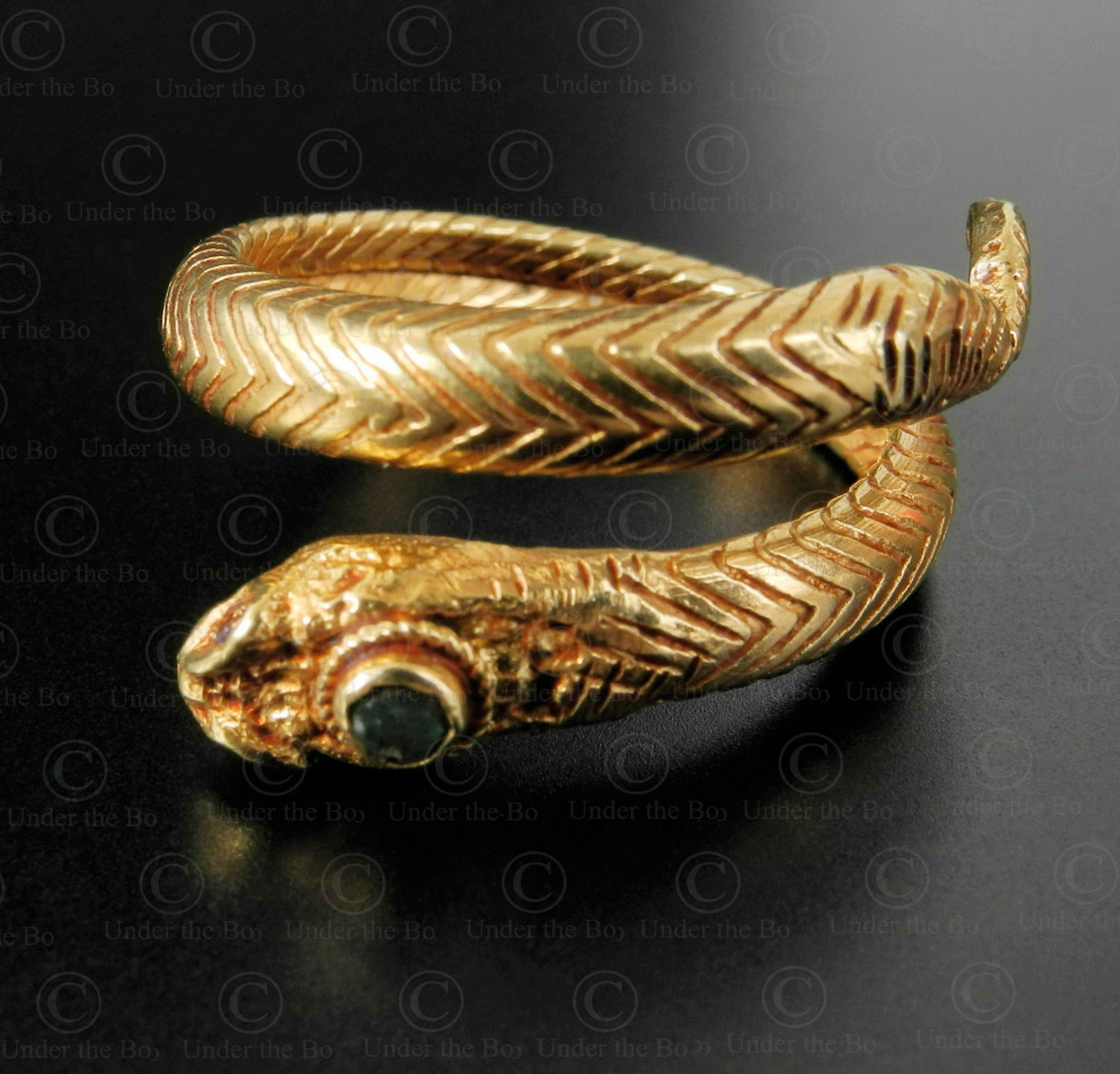 Bague serpent or R304. Artisanat contemporain du nord de l'Inde.