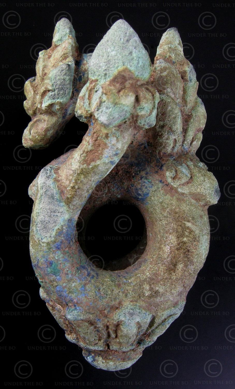 Boucle d'oreille khmère bronze KM54. Cambodge. Période d'Angkor.