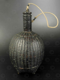 Lacquer wicker bottle BU581. Burma.