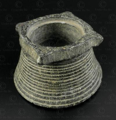 Petit pot Gandhara en pierre PK199. Ancien royaume de Gandhara, aujourd'hui Pakistan.