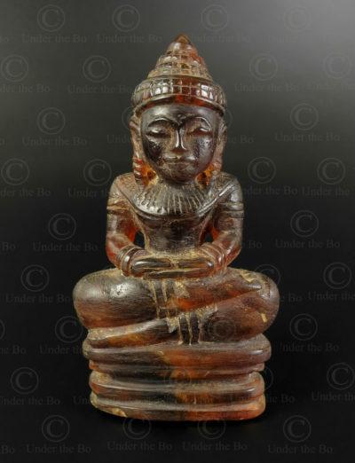 Bouddha birman en ambre BU585A .Style et période de Mandalay, Birmanie du nord.