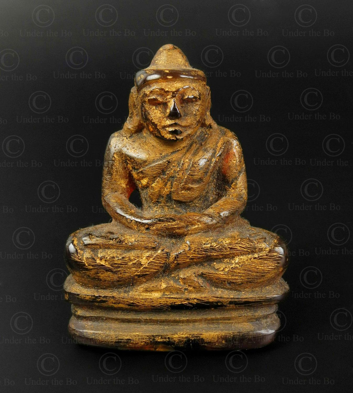 Bouddha birman en ambre BU585C .Style et période de Mandalay, Birmanie du nord..
