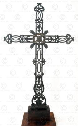 Croix de chemin en fonte FR35 .France.