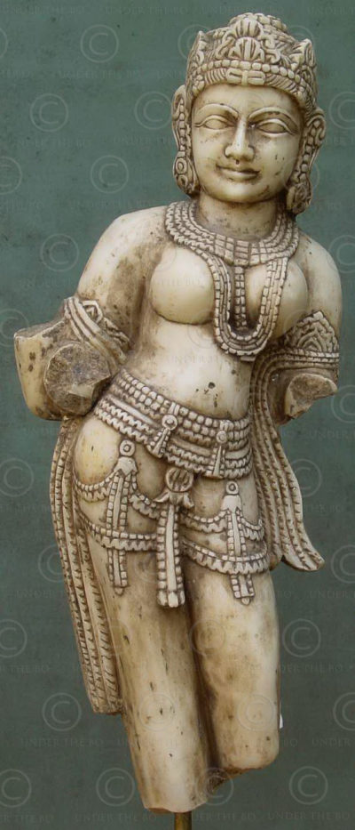 Indian marbre celestial dancer IN572 .Mathura style, North India.