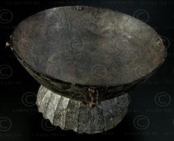 Bol tempurung toraja ID11. Culture Toraja, île de Sulawesi, Indonésie.