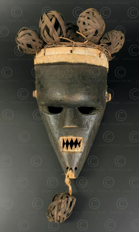 Salampasu mask AF274. Salampasu culture, Kasai region, DR Congo.