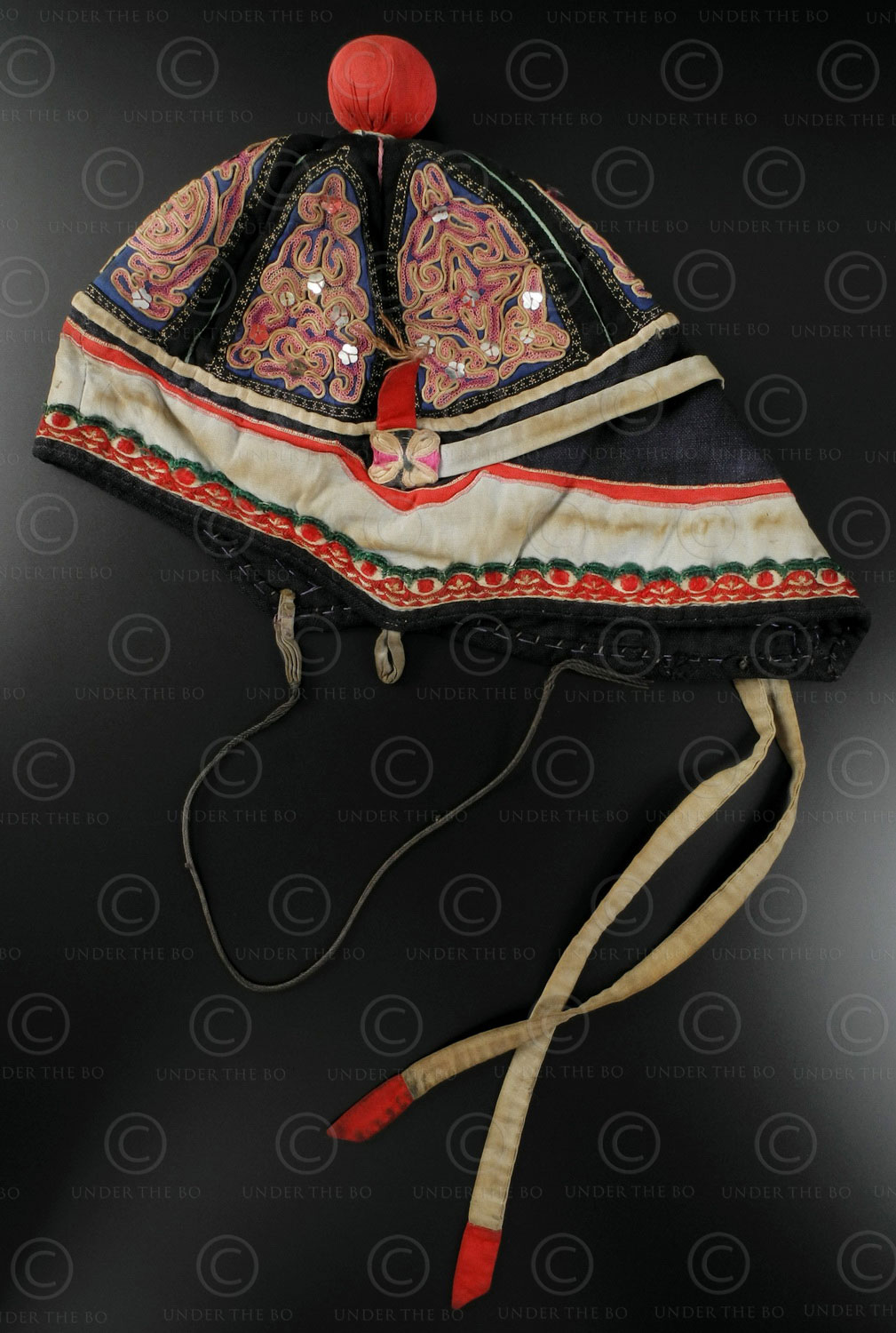 Chinese embroidered child's hat C4. Southern China.